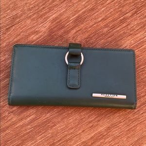 Never Used Reaction Leather Wallet Wintergreen
